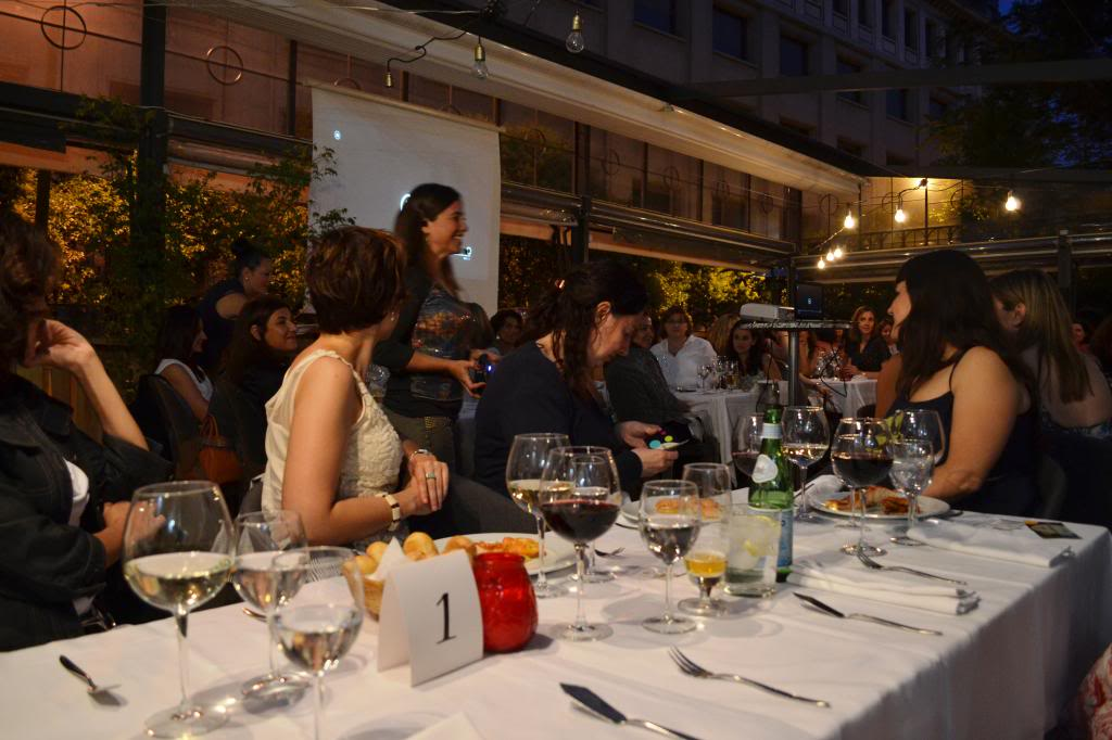 photo Alicia_Sornosa-fotos_cena_networking_mujeres_extraordinarias_2jm_17junio_alcala44_restaurante98_zps09159ea9.jpg
