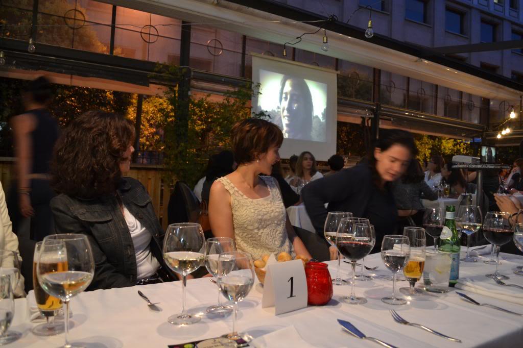 photo fotos_cena_networking_mujeres_extraordinarias_2jm_17junio_alcala44_restaurante84_zps5b052259.jpg