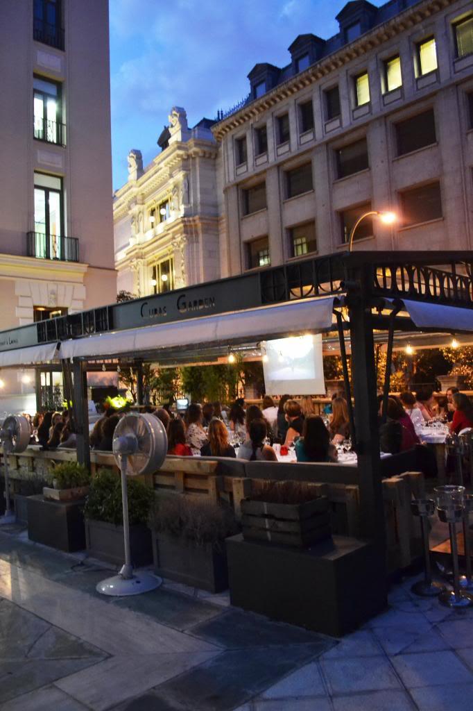 photo fotos_cena_networking_mujeres_extraordinarias_2jm_17junio_alcala44_restaurante91_zps750bf5c6.jpg