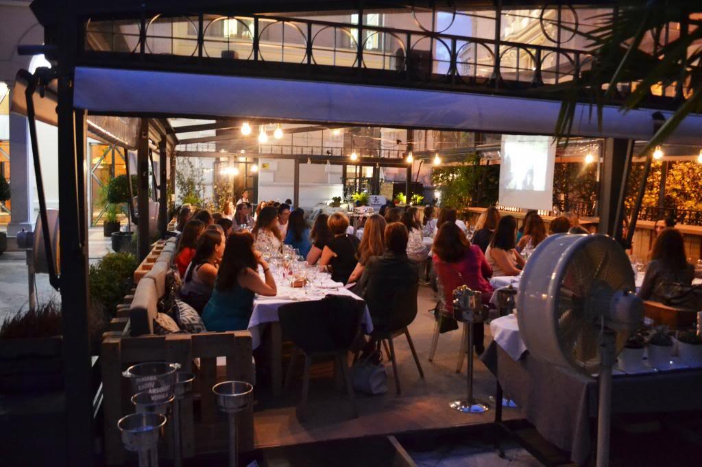 photo fotos_cena_networking_mujeres_extraordinarias_2jm_17junio_alcala44_restaurante93_zps774e2ed7.jpg